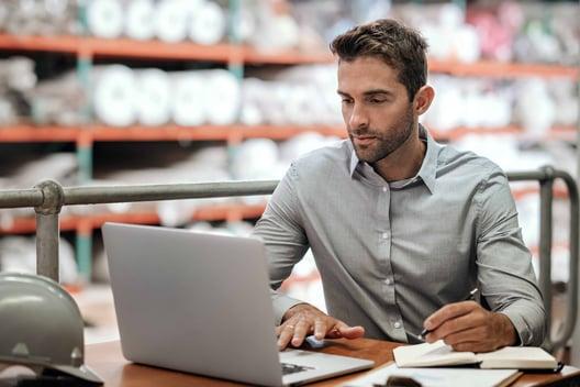 I produttori inviano a LPR la previsione degli ordini per mail